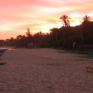 Zachód słońca na plaży w Tangalle